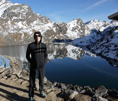 Devant le lac, à 4350m!